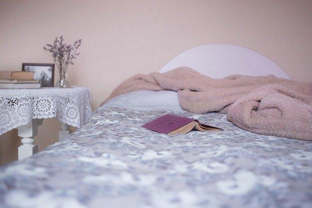 Avoir un lit haut : avantages et inconvénients